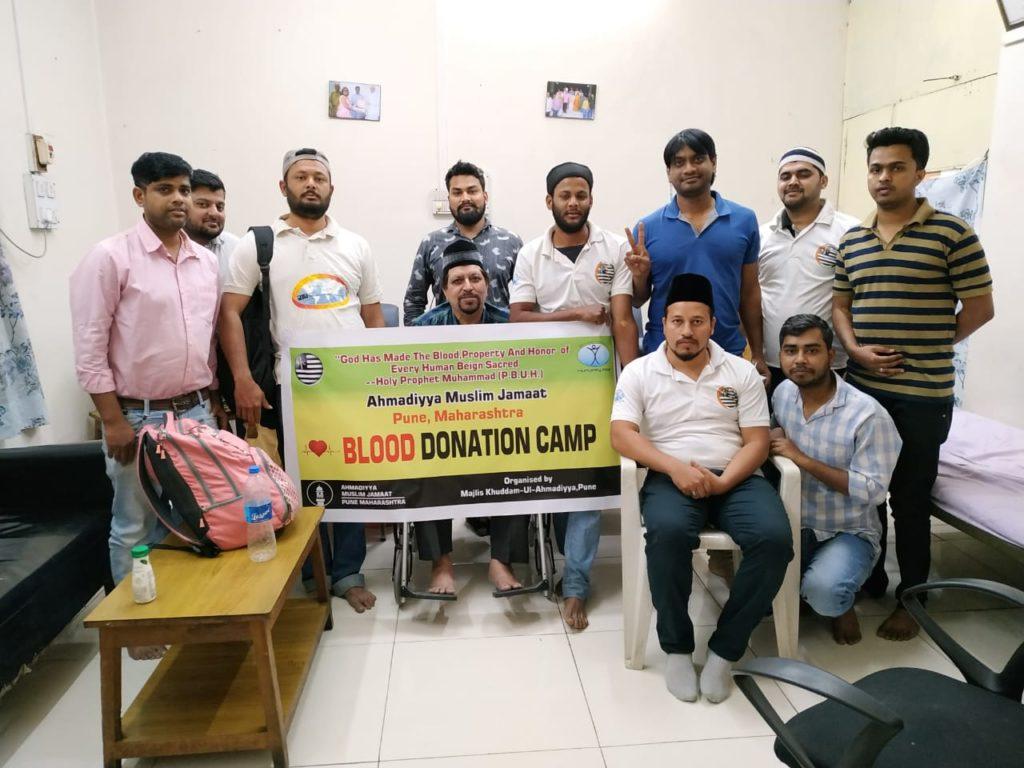 Pune Khuddam celebrates Youm-e-Maseeh-e-Maud with a difference