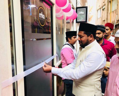 Janab K Tariq Ahmad Sahib, Sadr Majlis Khuddamul Ahmadiyya Bharat inaugurating office of MKA Calicut, Kerala.